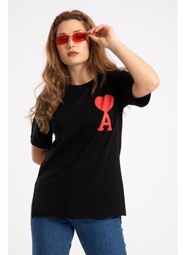 Madame Sare  Kadın Siyah Kalp Baskılı Tişört Siyah